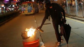 「体はつぶされ骨は粉々に」と習国家主席が分断勢力に警告 香港でデモ続く