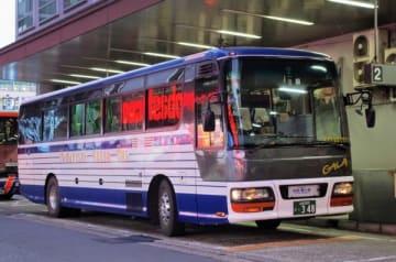 中央高速バス各社、15日も引き続き全路線で運休 山梨交通は甲府発新宿行臨時高速乗合バスを運行