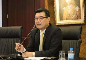 Hitachi Elevator (Cambodia) Co. Managing Director Sakchai Worrasangasilpa speaks at a press conference in Bangkok on Oct. 8, 2019.