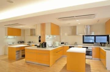 名古屋大医学部付属病院の構内に設置されている「ドナルド・マクドナルド・ハウス」のキッチン(公益財団法人ドナルド・マクドナルド・ハウス・チャリティーズ・ジャパン提供)