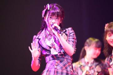 AKB48 武藤小麟、大好きなディズニー・アリスの衣装で握手会!「アリスになりました」