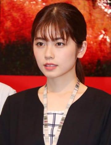 ドラマ「パラレル東京」の会見に登場した小芝風花さん