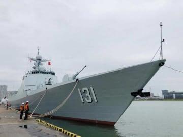 「台風お見舞い横断幕」で話題になった中国艦艇、日中両国の国旗掲げ東京を後に―華字紙