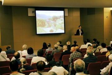 長崎と天草地方の潜伏キリシタン関連遺産の世界遺産登録1周年を記念した講演会=長崎歴史文化博物館