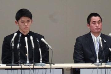 ロッテが交渉権を獲得した大船渡・佐々木朗希(左)【写真:編集部】