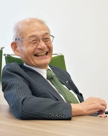 本紙のインタビューに応える吉野氏(=11日、旭化成東京本社)