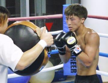 WBSS決勝へ向けて調整する井上尚弥=横浜市内のジム
