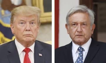 トランプ米大統領(左)、メキシコのロペスオブラドール大統領(ロイター=共同)