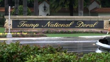 トランプ米大統領一族所有の「トランプ・ナショナル・ドラル」=2017年6月、フロリダ州(AP=共同)