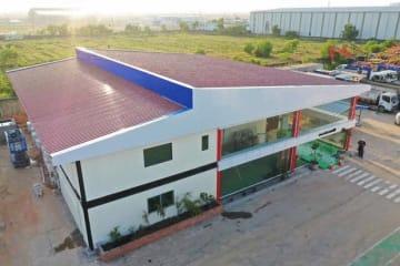 ミャンマー・キナンが建設中の新社屋。本社機能のほか、ショールームや研修施設を併設する=19日、ヤンゴン郊外(同社提供)