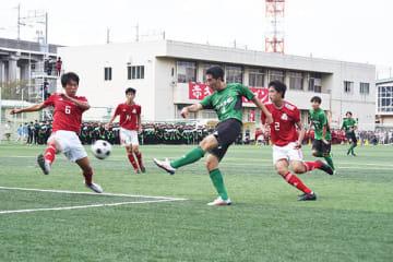 昌平―浦和南 後半39分、昌平の柳沢(右)が決勝ゴールを決める