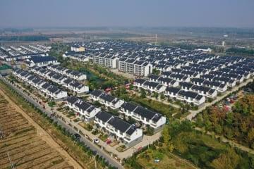 産業のけん引で村民の収入を高める 江蘇省徐州市
