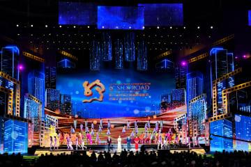 第6回シルクロード国際映画祭の閉幕式に滝田洋二郎監督が出席