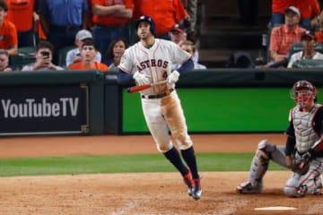 ワールドシリーズ5戦連発となる本塁打を放ったアストロズのジョージ・スプリンガー【写真:Getty Images】