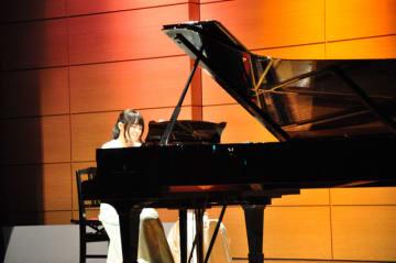 自作曲も披露し聴衆を魅了した野田さん